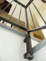 Détail de la rampe de protection escalier avec bouchon décoratif