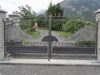 Porte à deux portes à frame et radialement