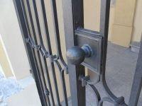 Porte à deux portes