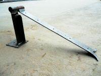Charnière forgée pour porte en bois