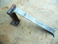 Cerniera forgiata per portone in legno